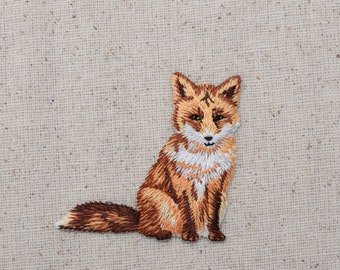 Red Fox - Sitting - Natural Animal- Embroidered Patch - Iron on Applique - 1516645A