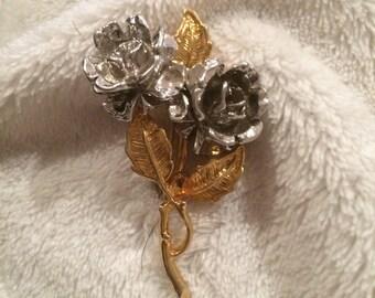 Vintage Rose Bouquet Pin