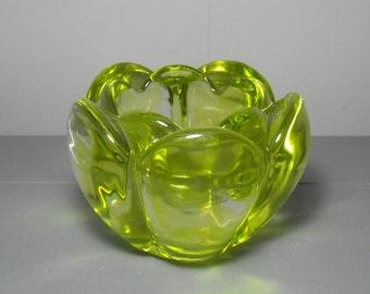 Retro Yellow Art Glass Bowl/Mid Century Art Glass/Yellow Glass Dish/Retro Art Glass/Art Glass Bowl/Floral Glass Bowl/Christmas Gift