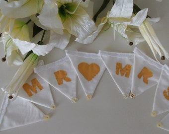 Wedding Bunting/Wedding decoration/Mr Mrs 8 flag bunting/ideal for a Wedding gift/Hand sewn lettering/Cream and gold with lace ties