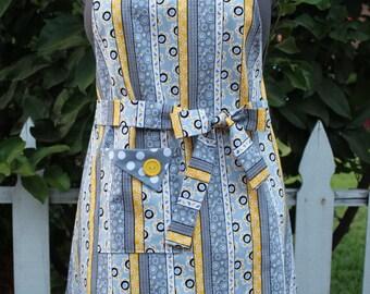 Gray and Yellow Apron, Full Apron, Women's Apron, Vintage Style Apron, Retro Apron, GladstoneCottage
