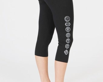 Women's Yoga Capri Pants with Chakras Print - Black Fitted Mid Rise Cropped Leggings - Pilates Activewear Stretched Cotton Pants.
