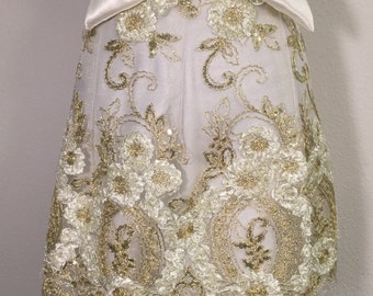 Queens Lace - Grace Elegant Aprons / Fashion Apron / Hostess Gift / Dinner Party / Diva  / Haute Couture / Glamour / Accessory