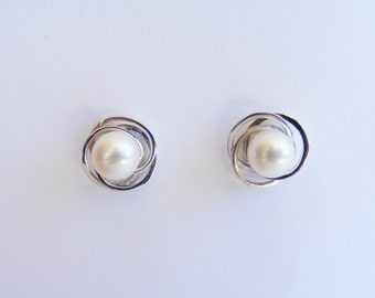 Silver Knot Earrings-Silver-Silver Knot-Nesting Pearl