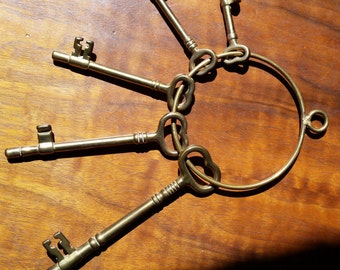 Vintage Brass Key Ring Wall Decor
