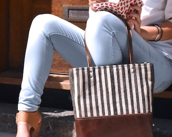 Black and white striped bag, Linen laptop tote, Summer bag, Beach tote, Everyday purse, Leather bottom purse, Leather tote, Tablet bag