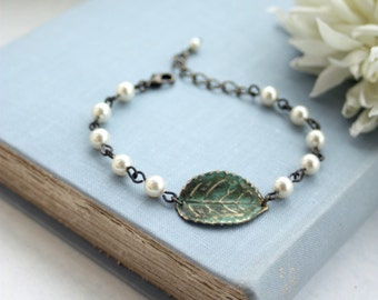 Woodland Leaf Bracelet Verdigris Adjustable Vintage Style Pearl Bracelet Green Rustic Bridesmaids Gift. Pearl Wedding Bracelet Green Wedding