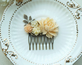 Light Peach Rose Flower Comb. Ivory, Brass Leaf, Flower Hair Comb. Bridesmaid Gift, Bridal Hair Accessory. Peach Wedding. For Her. Holiday