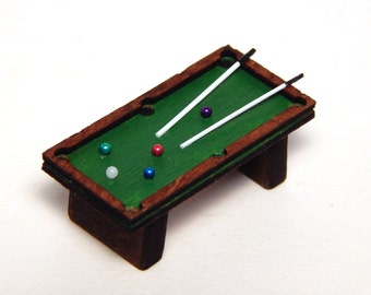 HO Scale 1:87 Real Wood Pool Billiard Table with 2 Cue Sticks Balls Handcrafted