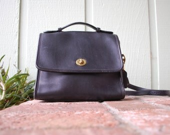 Vintage Black and Gold Coach Soft Leather Purse Shoulder Bag Handbag Cross Body Designer Boho Moto Stewardess High Fashion Preppy Hipster