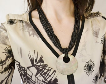 African Necklace/ Shell Necklace/ Tribal Necklace / Vintage Necklace/ Wooden Necklace/ Boho Necklace/ Chunky Necklace