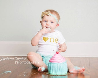 Cake Smash Outfit Girl...One Year Old Girl Birthday Outfit...First Birthday Shirt and Shorts...Aqua and Gold First Birthday...Smash Cake