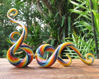 "Rainbow Classic Twist Pattern Glass Curly Note Shapes 10g 8g 6g 4g 2g 0g 00g 7/16"" 1/2"" 9/16"" 5/8"" 2.5 mm 3 mm 4 mm 5 mm 6 mm 8 mm - 16 mm"