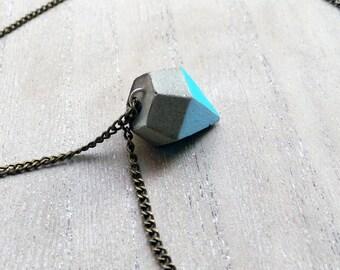 Concrete chain, diamond