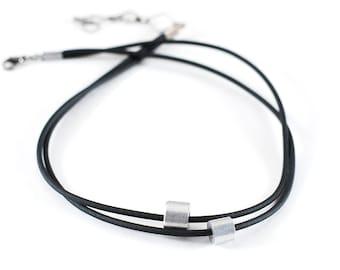 Necklace choker / ras minimalist neck collar
