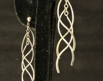 14k Yellow Gold Dangle Curve Earrings