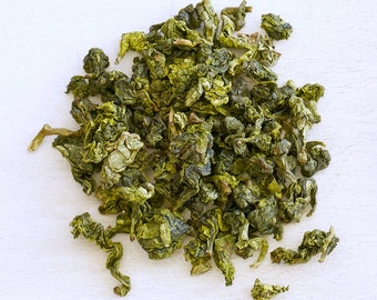 Golden Osmanthus - Organic Oolong Tea, loose leaf tea, distinct Osmanthus flower-like aroma, enticing and seductive