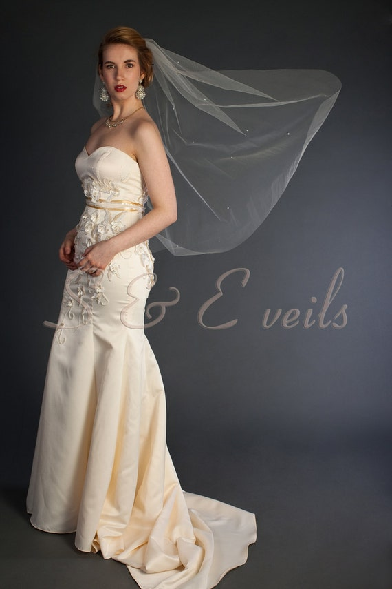 Wedding Veil with Pearls - Raw Edge with scattered pearls and metal comb