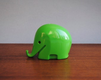 VINTAGE * 1960s Size S * 3rd Generation Design DRUMBO Elephant Savings Box with key * glossy  green * small * Dresdner Bank * Luigi Colani