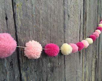 Yarn Pom Pom Garland: Pretty in Pink