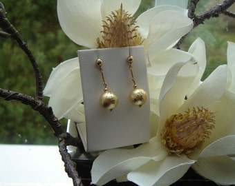 Gold Stud Earrings, 585 goldfilled with Pearl acrylic