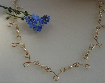 Necklace in gold 585 (14 K) with freshwater cultured pearl! So beautiful!
