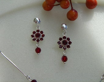 Vintage earrings, Silver 925, very sweet with red crystal flower