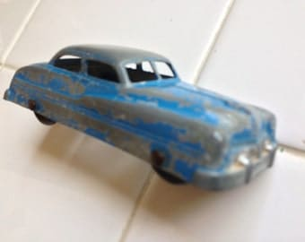 Tootsie Toy Compact Sedan (Circa 1940's)