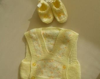 vest /knitting baby vest / knitting vest / knitted vest for baby / knitting clothes /knit baby vests/knittings/knitting vests /handmade vest