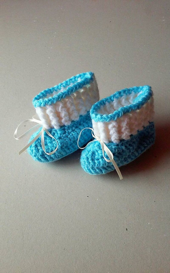 Baby boy booties, crochet booties, baby shower gift, baby boy gift, baby shoes