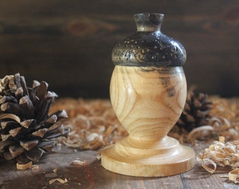 acorn lidded box