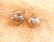Silver sterling 925 puff heart etched earrings vintage jewelry  pierced
