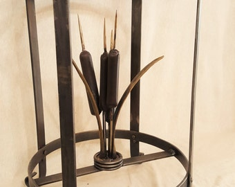 Accent Table with Cattails