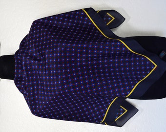 Simple an delegant silk scarf