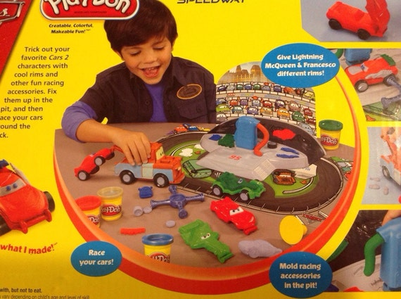 play doh cars 2 mold n go speedway