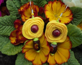 Flower shaped earrings