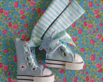Blue high sneakers with stockings for Blythe