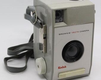 Kodak Brownie Vecta Camera with case and strap – c.1963 GC - Design Classic