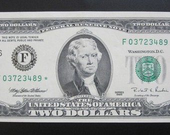 Series 1995 Two Dollar *Star* Federal Reserve Note F03723489*