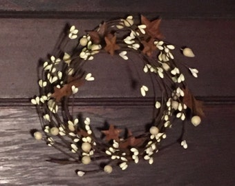 Cream Pip Berry Candle Ring with Rusty Stars--Americana Candle Ring--Mini Pip Berry Wreath - Wedding Wreath- Free Shipping