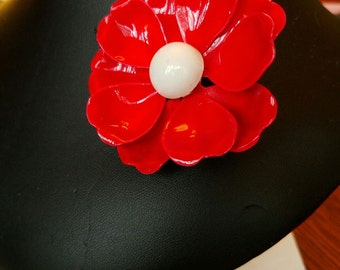Vintage red  white enameled flower pin brooch unmarked nice