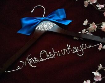 Personalized wedding hanger, Bride hanger, wedding dress hanger, ornament decor