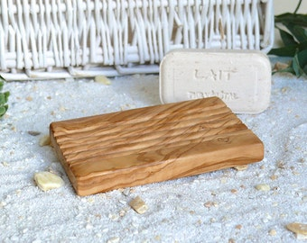 Soap dish with grooves design
