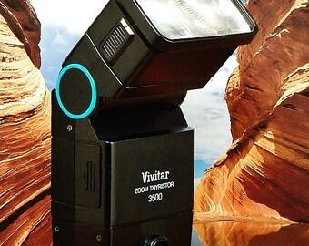 Vintage VIVITAR ZOOM THYRISTOR 3500 Dedicated Electronic Bounce Flash For Canon 35mm Film Cameras, Circa: 1981, Fantasic Shape!
