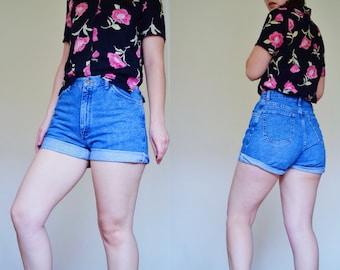 Vintage WRANGLER High Waisted Denim Shorts | Size 10