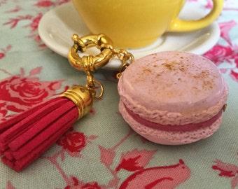 Macaron de Fimo.Polymer clay miniature food macaron