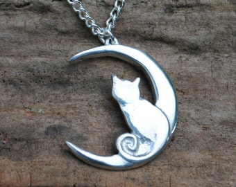 Cat & Moon Pendant P85