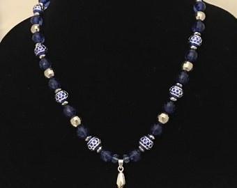 Blue fashion jewelry necklace