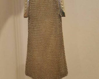 Wonderful Dainty 1920s-30 Whiting & Davis metal mesh bag