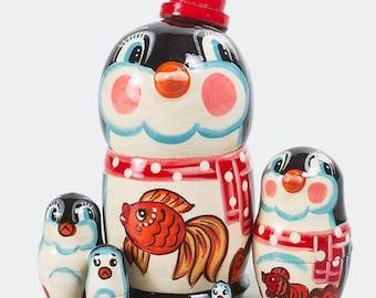 FLASH SALE 3 days 40% off Nesting doll Penguin Wooden Doll.  Russian Matryoshka 4.4'' (5 Ct.)